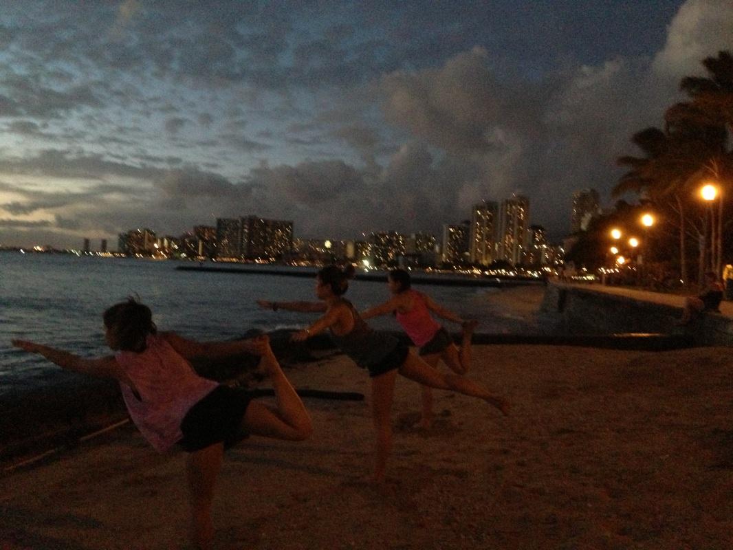 Gallery beach sunset yoga hawaii mindful yoga hikes for Wellness retreat san diego
